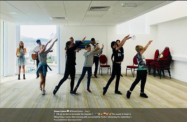 jollies-rehearsal-at-Venue Cymru