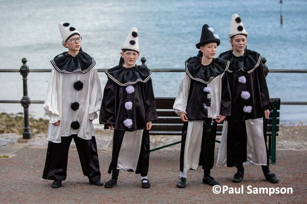Pierrot-Weekend-copyright-PaulSampson-the-Jollies-2