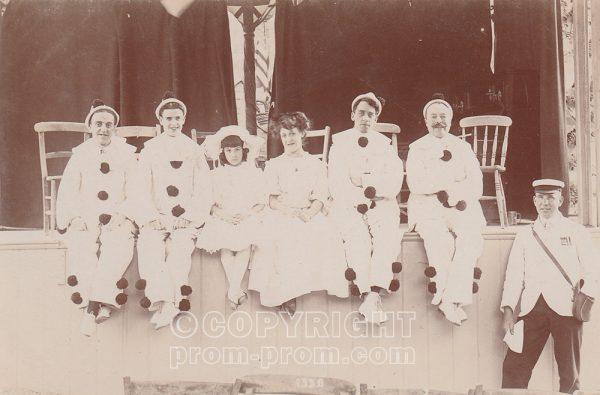 Adeler's Arcadians, Rock Park, Llandrindod Wells, 1907 or 1908