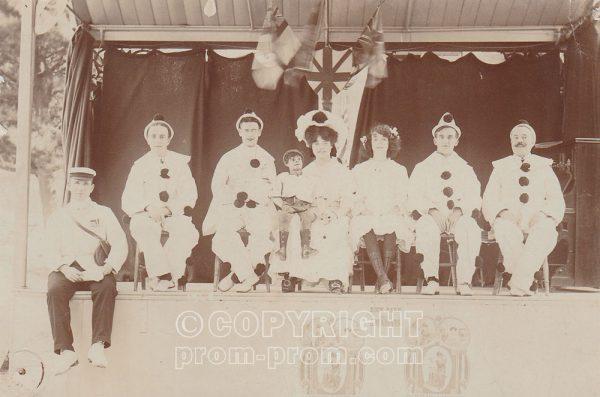 Adeler's Arcadians, Rock Park, Llandrindod Wells, 1907 or 1908, Maude Edwards as vent