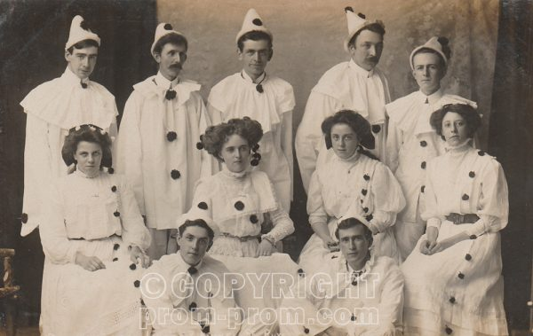 Unknown troupe, Rhyl